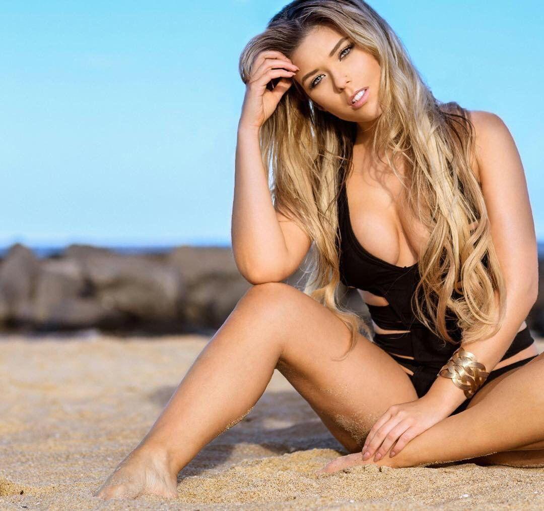 hot girl - Neesy Rizzo