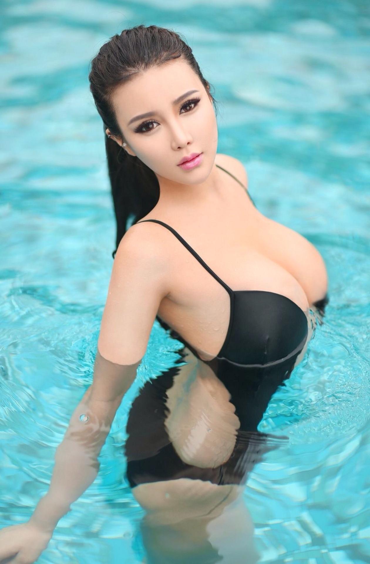 hot bikini Asian glamour